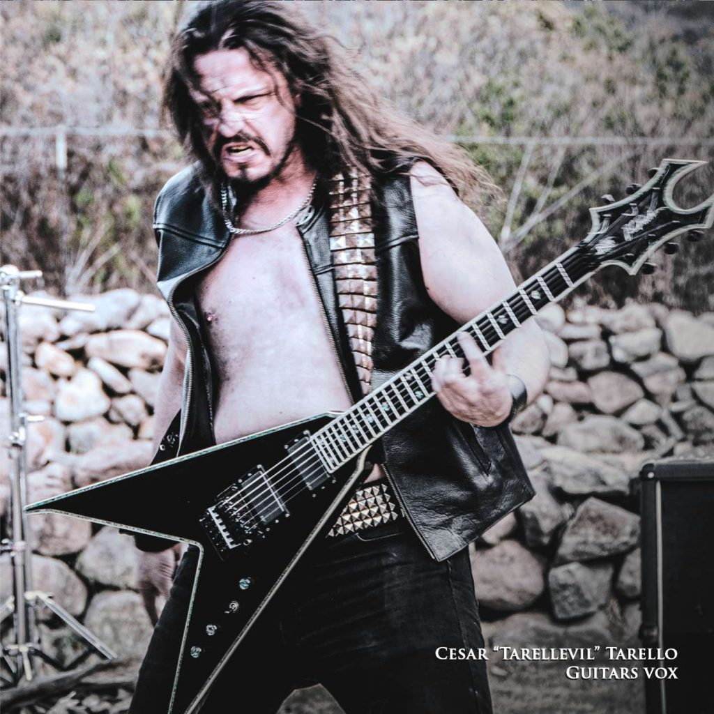 """""""Tarellevil"""", guitarrista y vocalista de Piraña."""